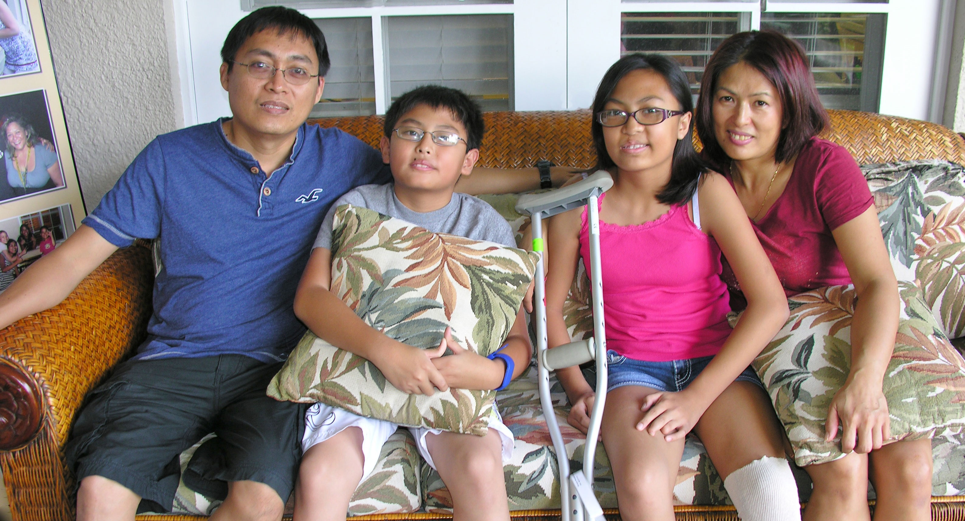Family At RMHC–HI relaxing